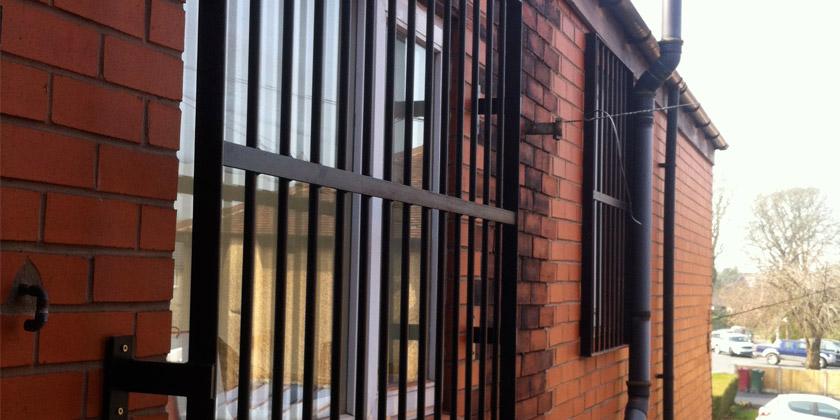 fixed-window-grill-2-840x400